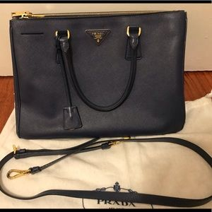 Prada Saffiano Galleria double zip Bag Medium